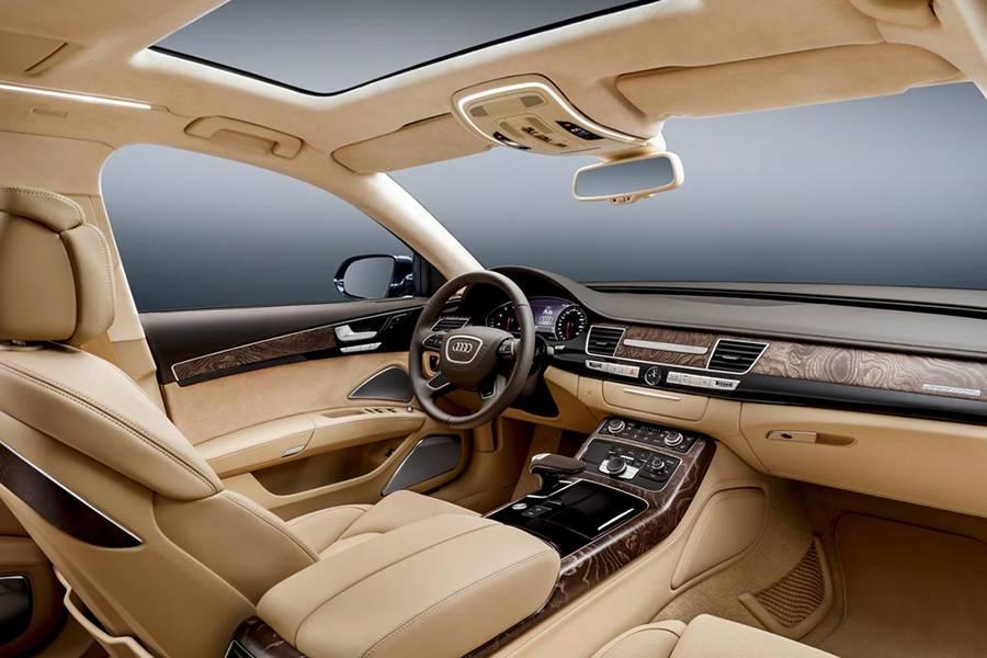 Фото салона лимузина Audi A8