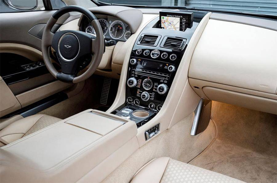 Фото интерьера Aston Martin Lagonda 2016-2017 года