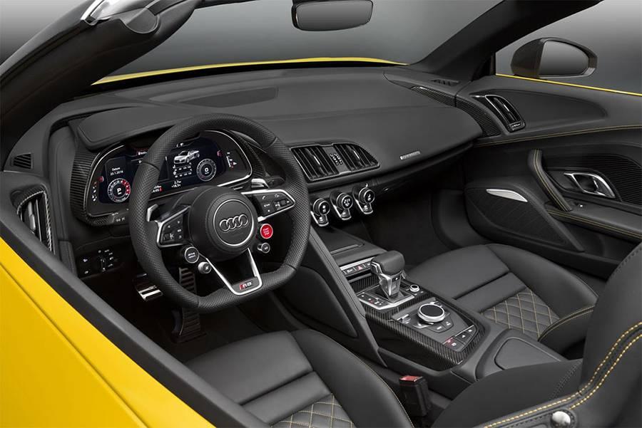Фото интерьера Audi R8 Spyder V10 2-го поколения (2016-2017)