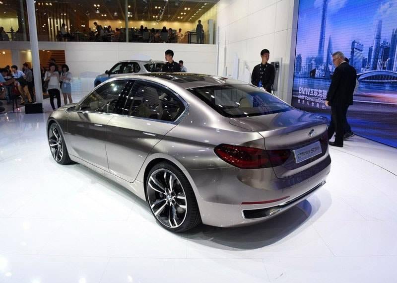 Фото BMW Compact Sedan Concept (вид сзади)