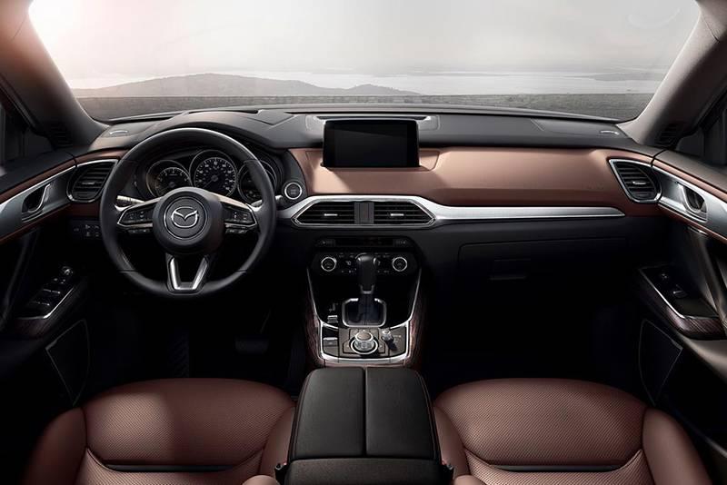 Фото интерьера Mazda CX-9 2016-2017 модельный год