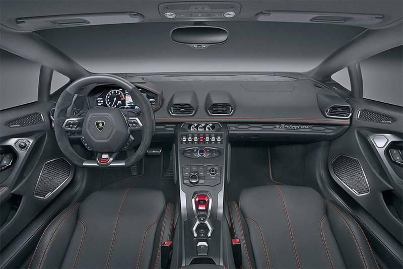 Фото салона Lamborghini Huracan LP580-2