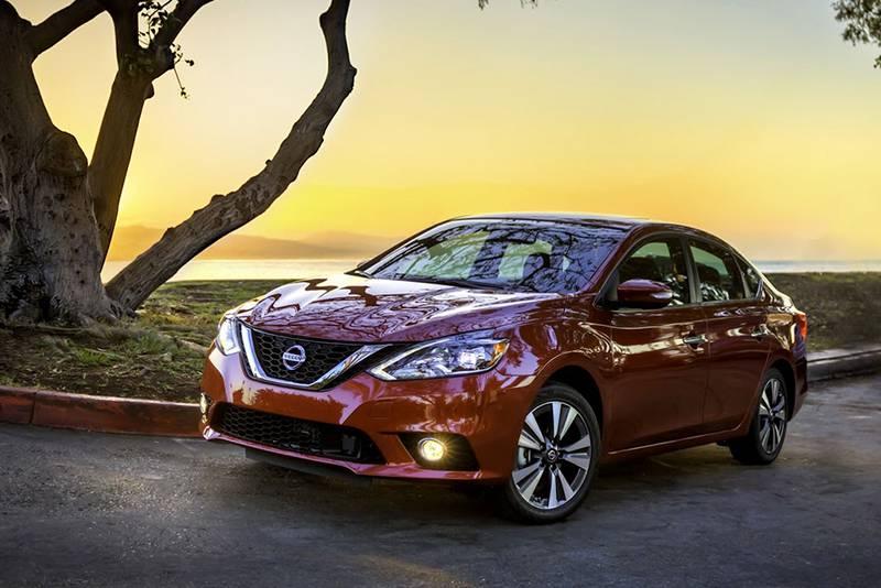 Фото обновленного Nissan Sentra 2016-2017 года