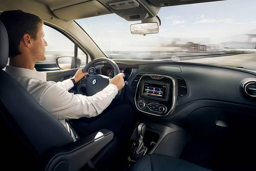 Фото интерьера Renault Kaptur 2016-2017 года
