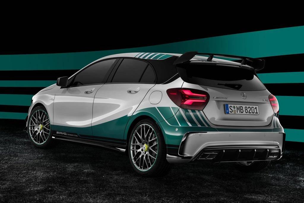 Фото специальной версии Mercedes-AMG 45 Petronas 2015 World Champion Edition (вид сзади)