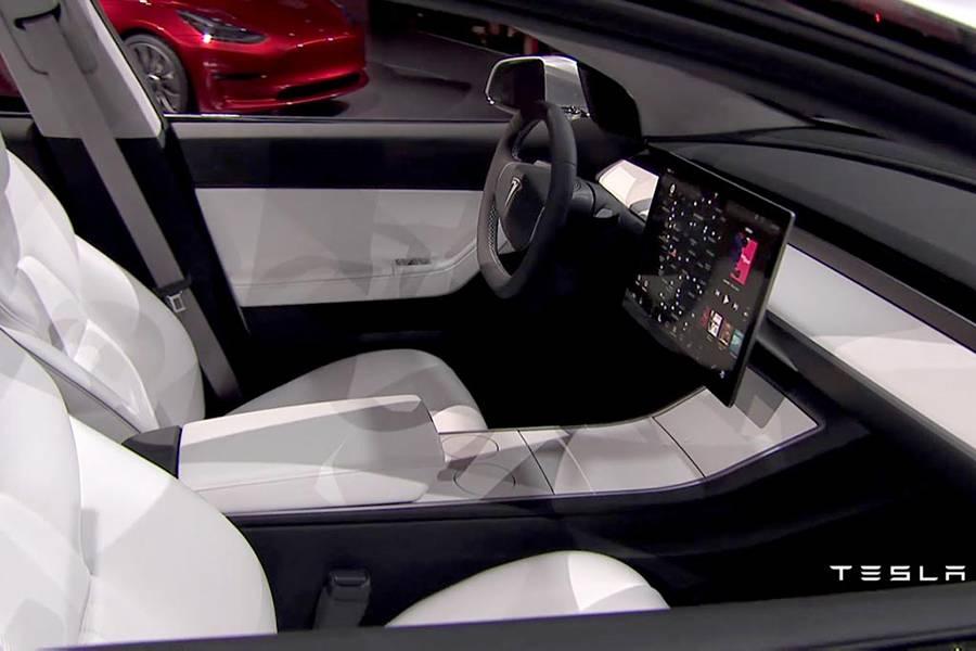 Фото салона Tesla Model 3 2017-2018 года