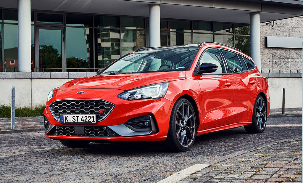 Спортивный универсал Ford Focus ST Wagon 2019-2020