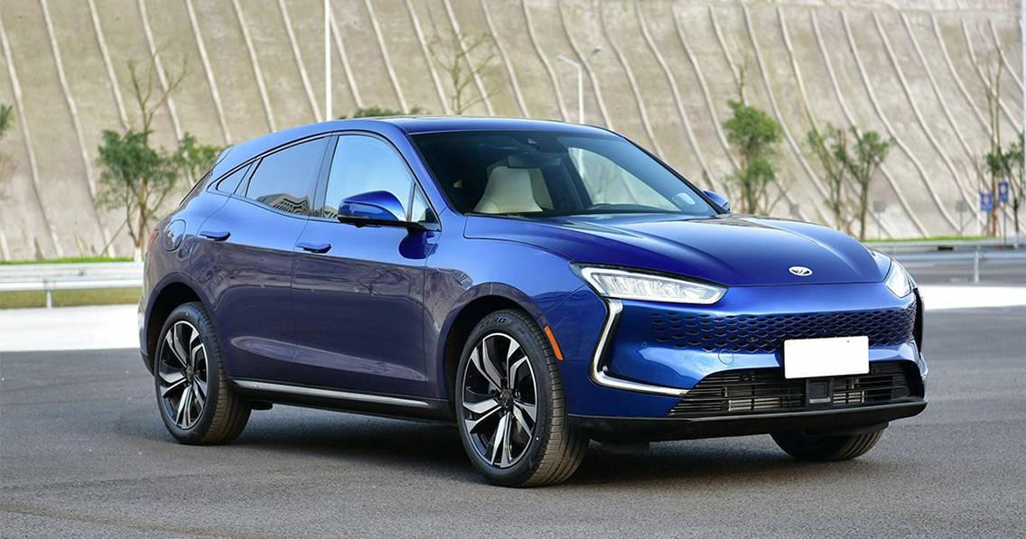 Электрический кроссовер Jin Kang Seres SF5 2019-2020 первенец марки Jinkang Automobile