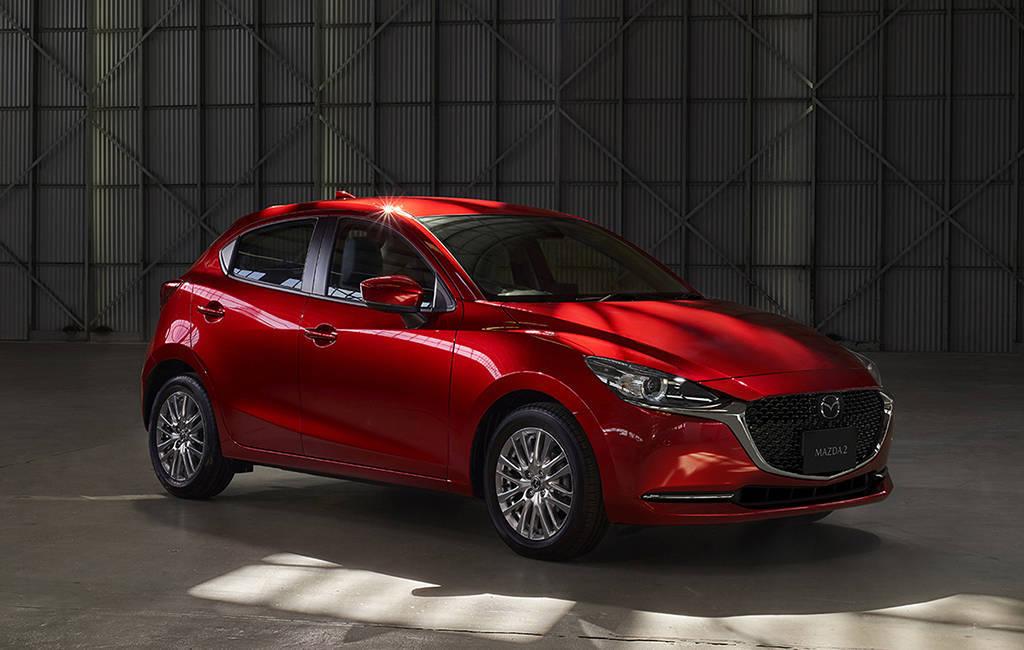 Обновленный хэтчбек Mazda 2 2019-2020