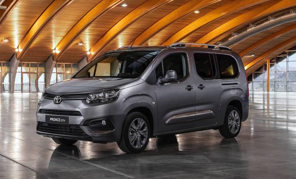 фургон Toyota ProAce City 2019-2020 года