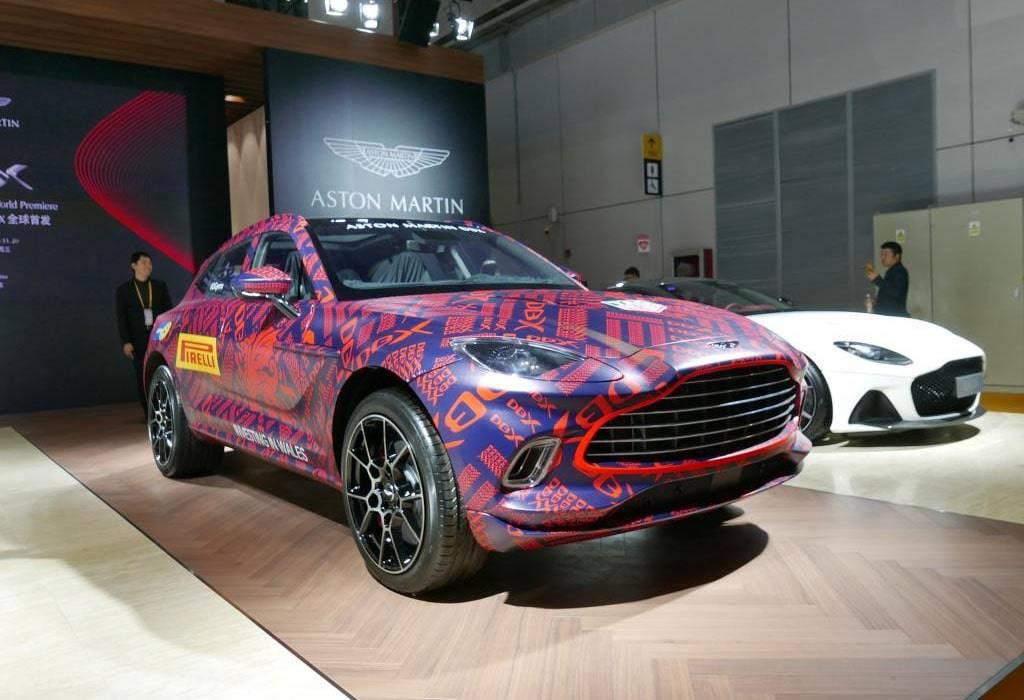 Кроссовер Aston Martin DBX 2020