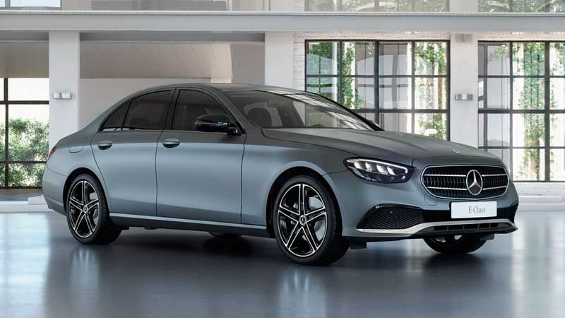 Седан Mercedes E-класса 2020