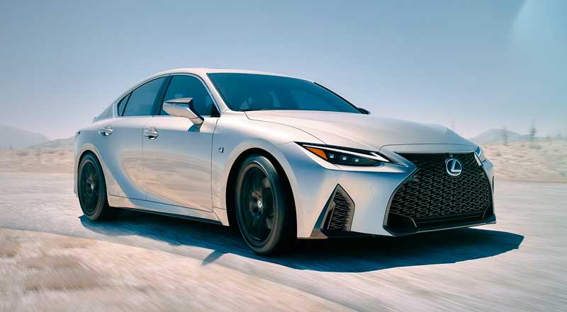 Седан Lexus IS 2020-2021 нового поколения
