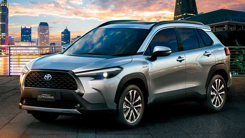 Паркетник Toyota Corolla Cross 2021-2022