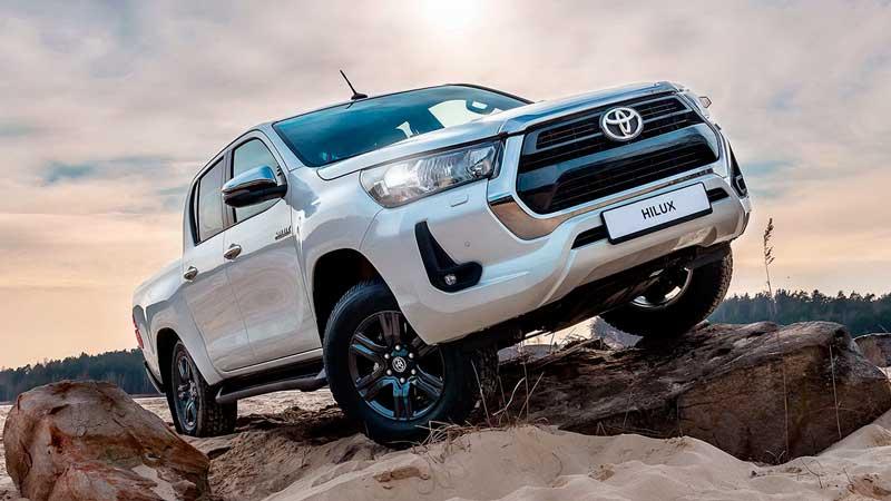 Обновленный пикап Toyota Hilux 2020 для России