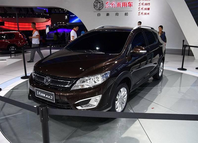 Фото Dongfeng AX3 2016-2017 модельного года (вид спереди)