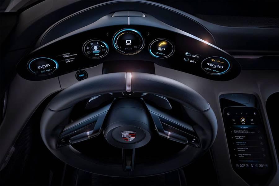 Фото салона Porsche Mission E 2015
