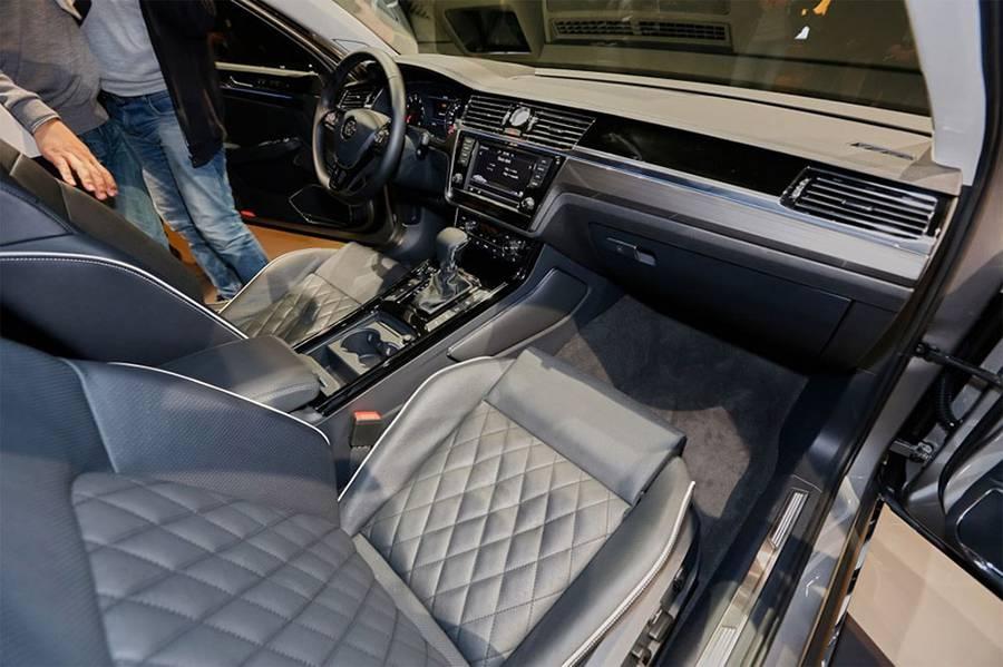 Фото интерьера Volkswagen Phideon 2016-2017 года