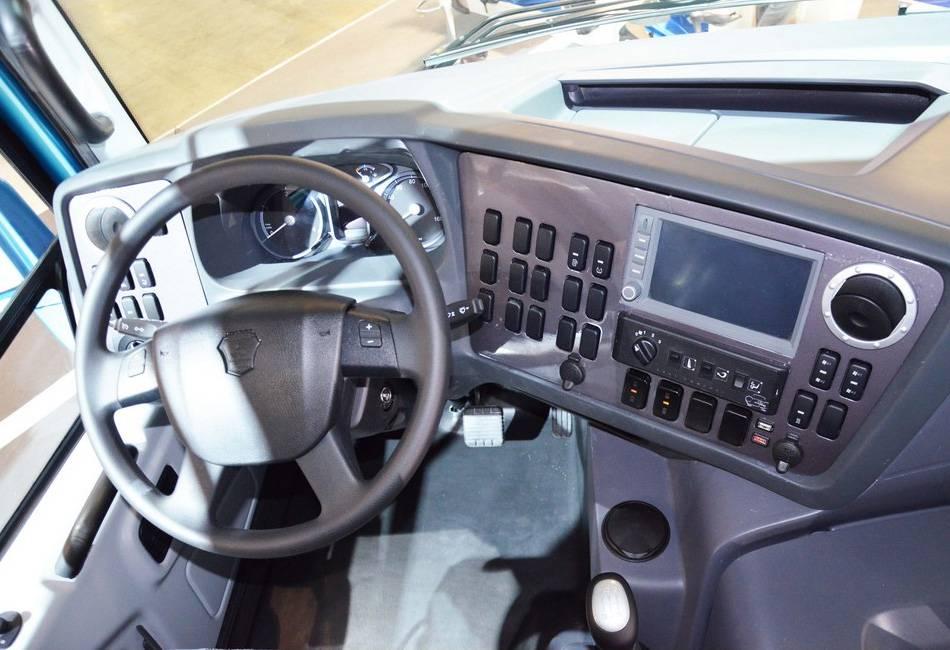 «Вектор Next» - фото водительского места