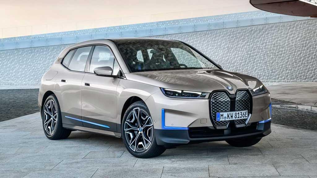 Электрический кроссовер BMW iX 2022