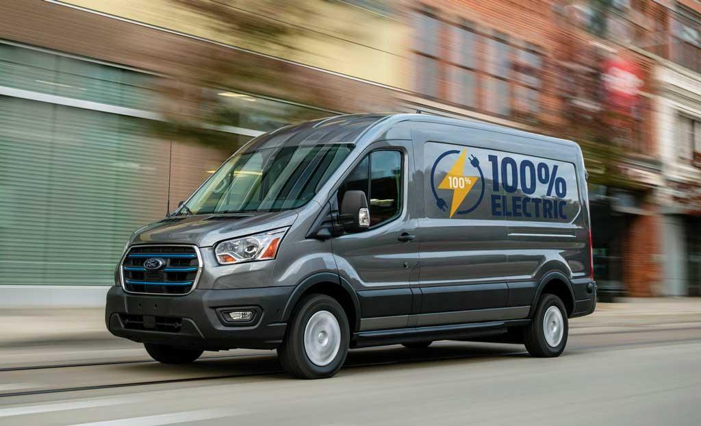 Коммерческий фургон Ford E-Transit 2022