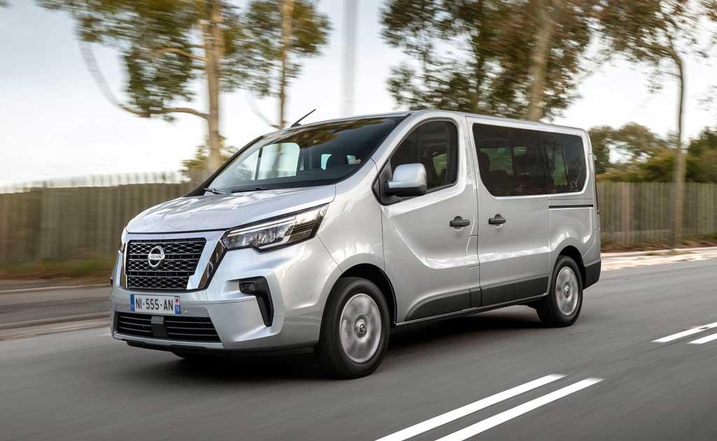 Обновленный микроавтобус Nissan NV300 Combi 2021