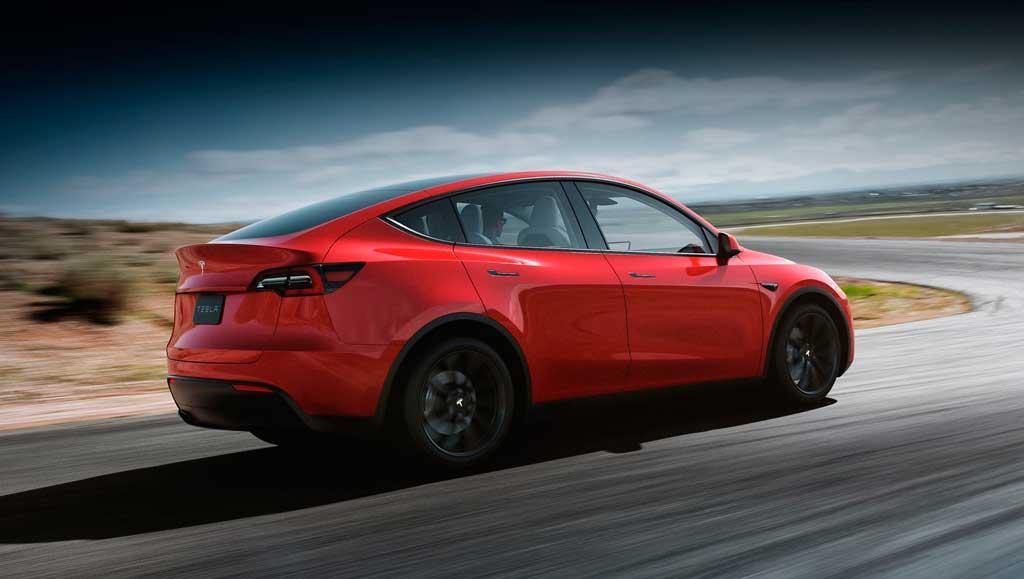 Электрический кроссовер Tesla Model Y 2021