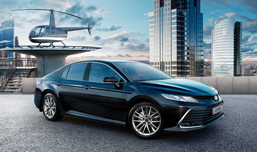 Седан Toyota Camry 2021