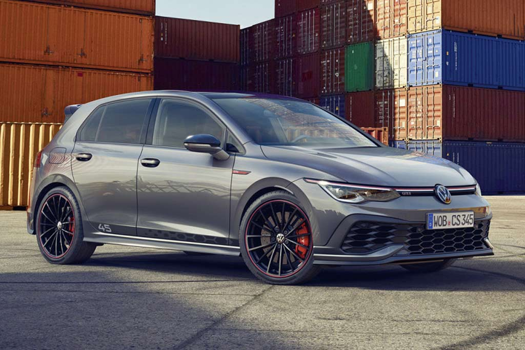 Юбилейный хэтчбек Volkswagen Golf GTI Clubsport 45 2021