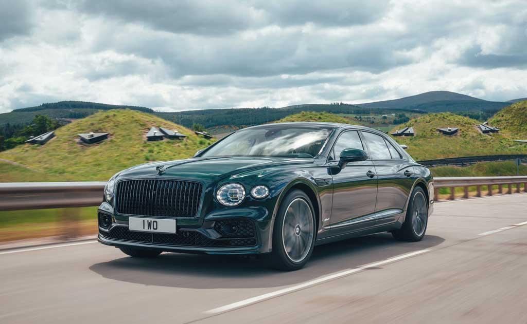 Люксовый седан Bentley Flying Spur Hybrid 2022