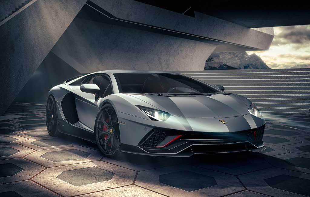 Купе Lamborghini Aventador LP 780-4 Ultimae