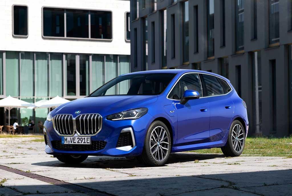 Компактвэн BMW 2-Series Active Tourer 2022 второго поколения