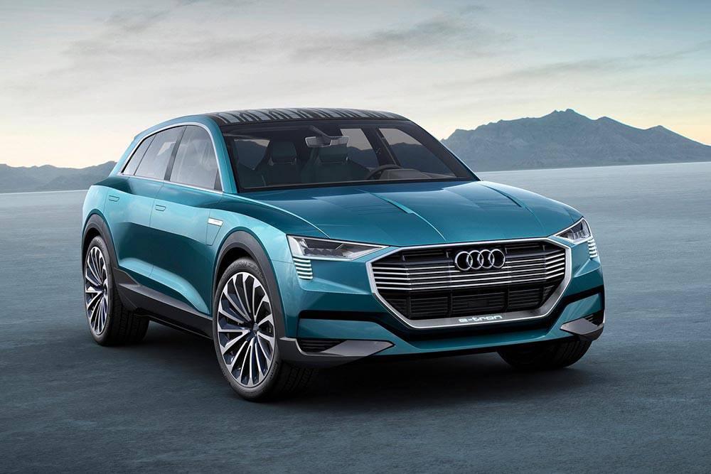 Фото Audi e-tron quattro concept - вид спереди