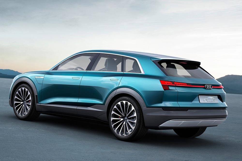 Фото Audi e-tron quattro concept - вид сзади