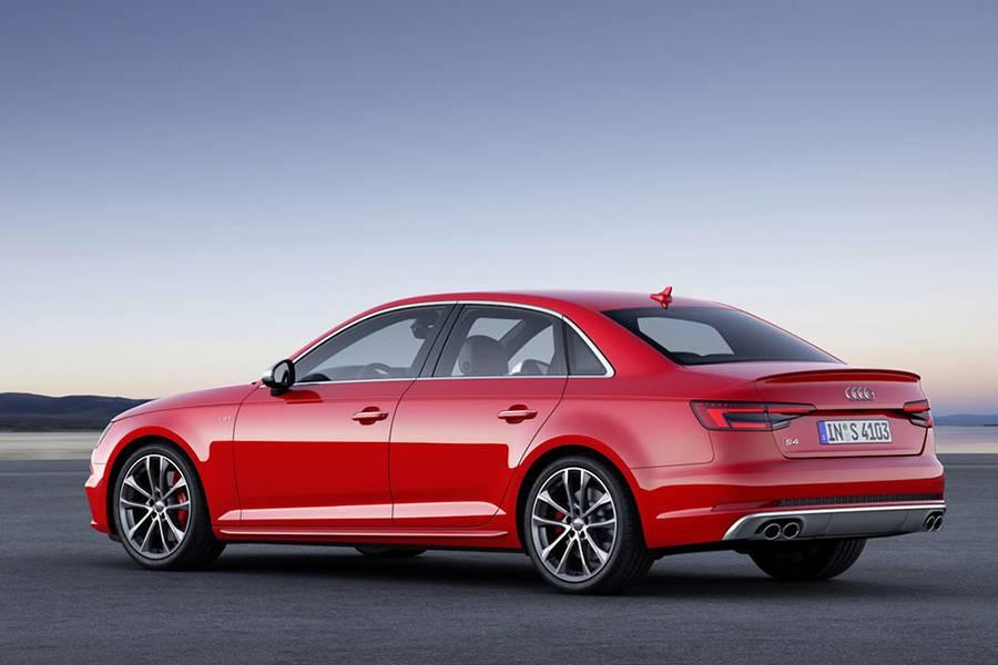 Фото Audi S4 седан