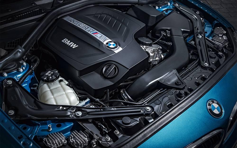 BMW M2 Coupe 2016-2017 модельного года - двигатель