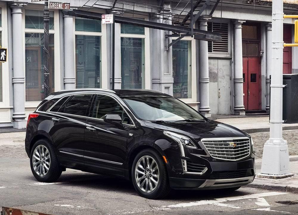 Фото Cadillac XT5 2016-2017 модельного года - вид спереди