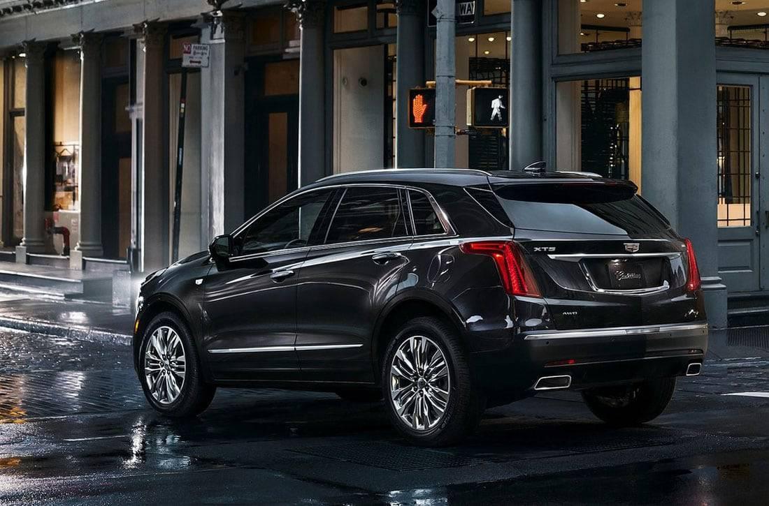 Фото Cadillac XT5 2016-2017 модельного года - вид сзади