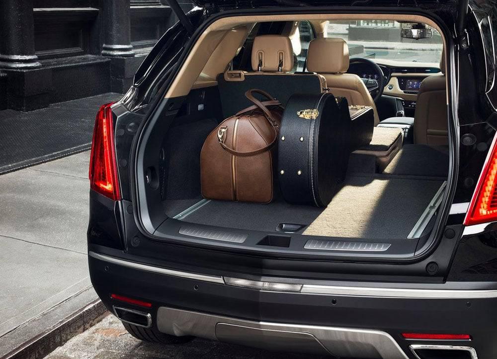 Фото багажного отделения Cadillac XT5 2016-2017 модельного года