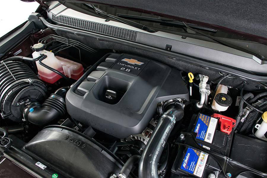 Обновленный Chevrolet Trailblazer 2016-2017 года фото двигателя