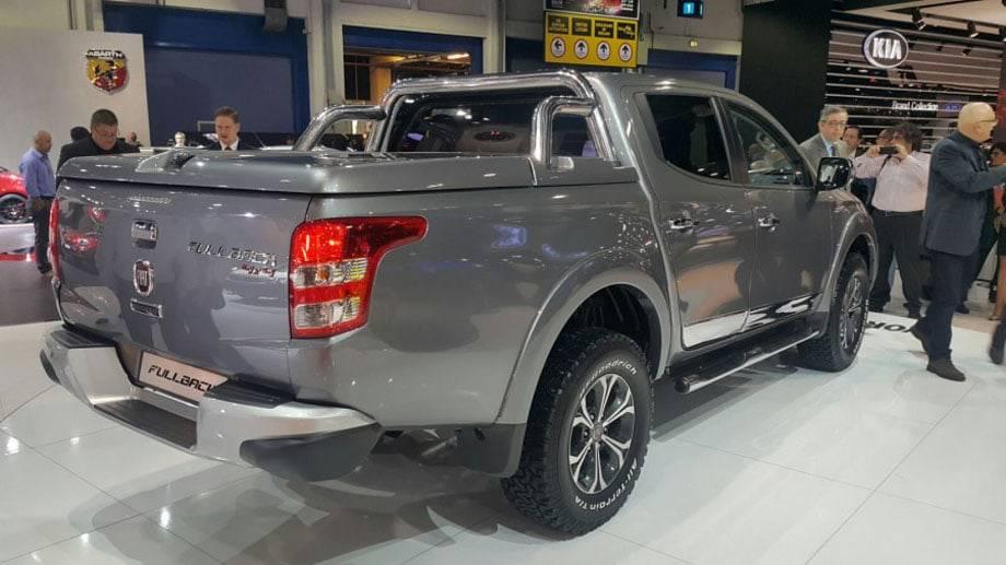 Фото Fiat Fullback 2012017 модельного года - вид сзади