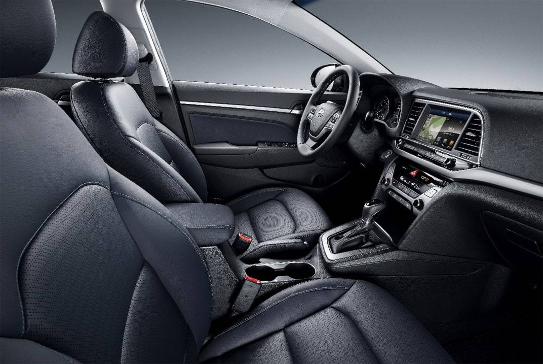 Фото салона Hyundai Elantra