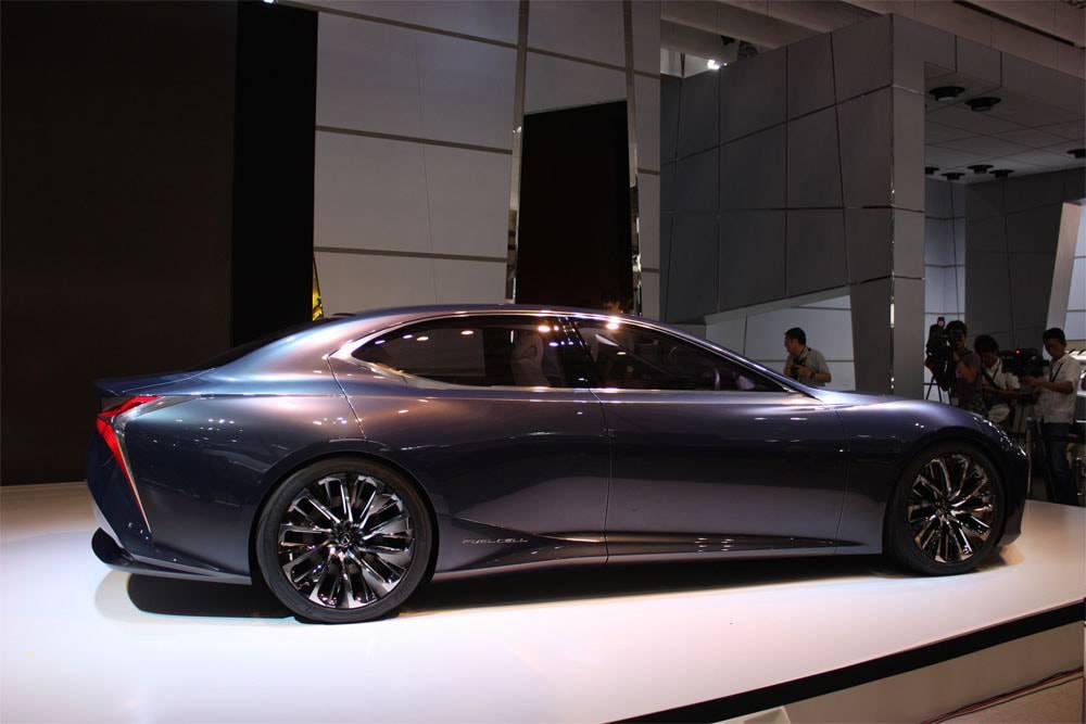 Фото Lexus LF-FC Concept - вид сбоку