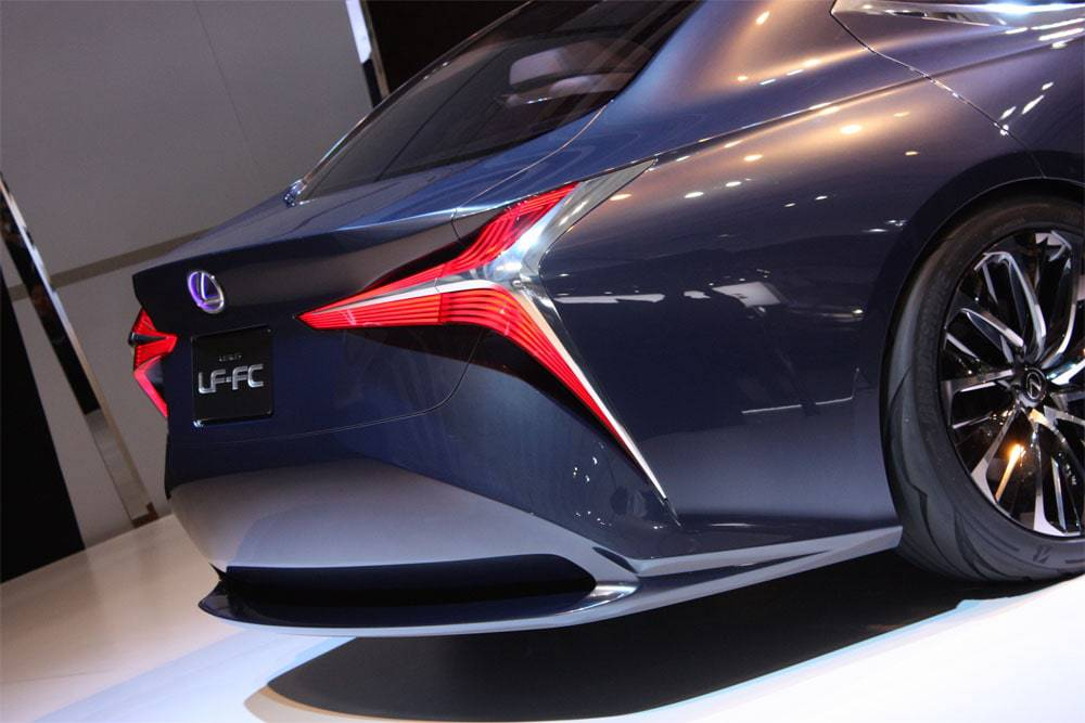 Фото Lexus LF-FC Concept - вид сзади