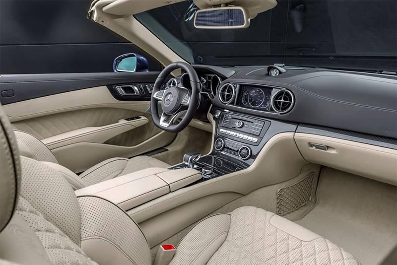 Фото салона Mercedes-Benz SL 2016-2017