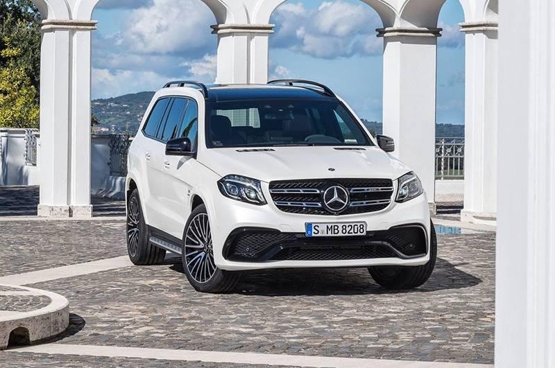 Фото Mercedes-Benz GLS 2016-2017 модельного года - вид спереди