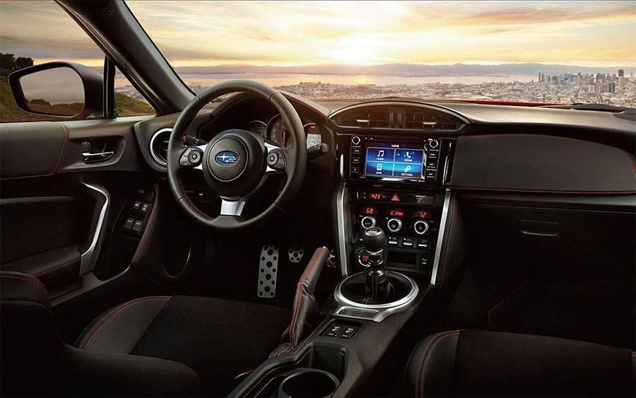 Subaru BRZ 2017-2018 года фото салона