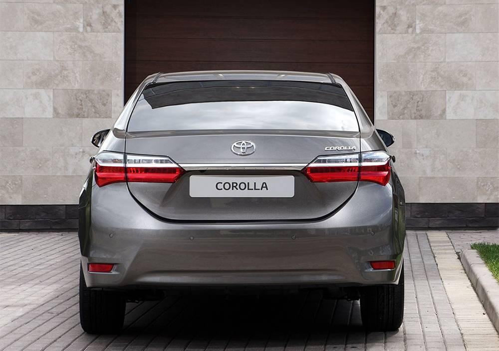 фото обновленной Toyota Corolla 2016-2017 года - вид сзади