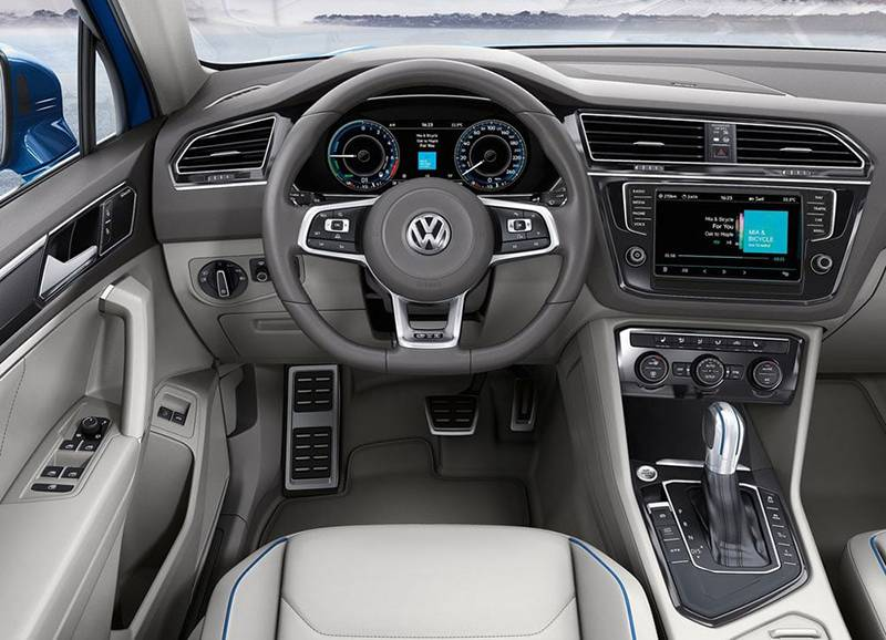 Фото салона Volkswagen Tiguan GTE Concept 2015-2016 модельного года