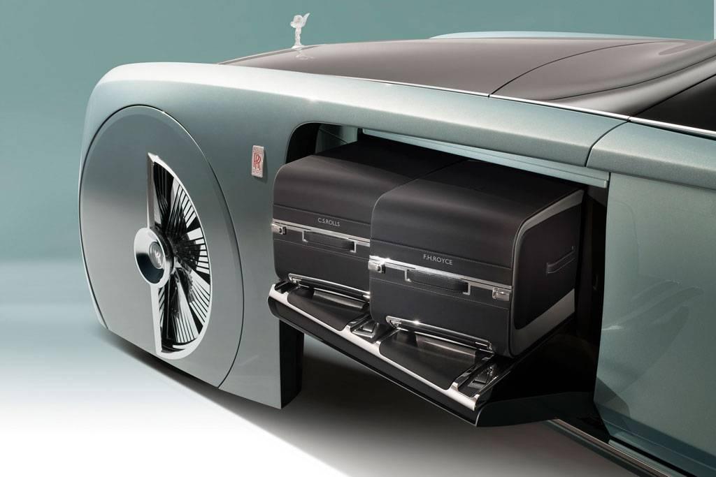 Rolls-Royce Vision Next 100 - фото багажного отделения